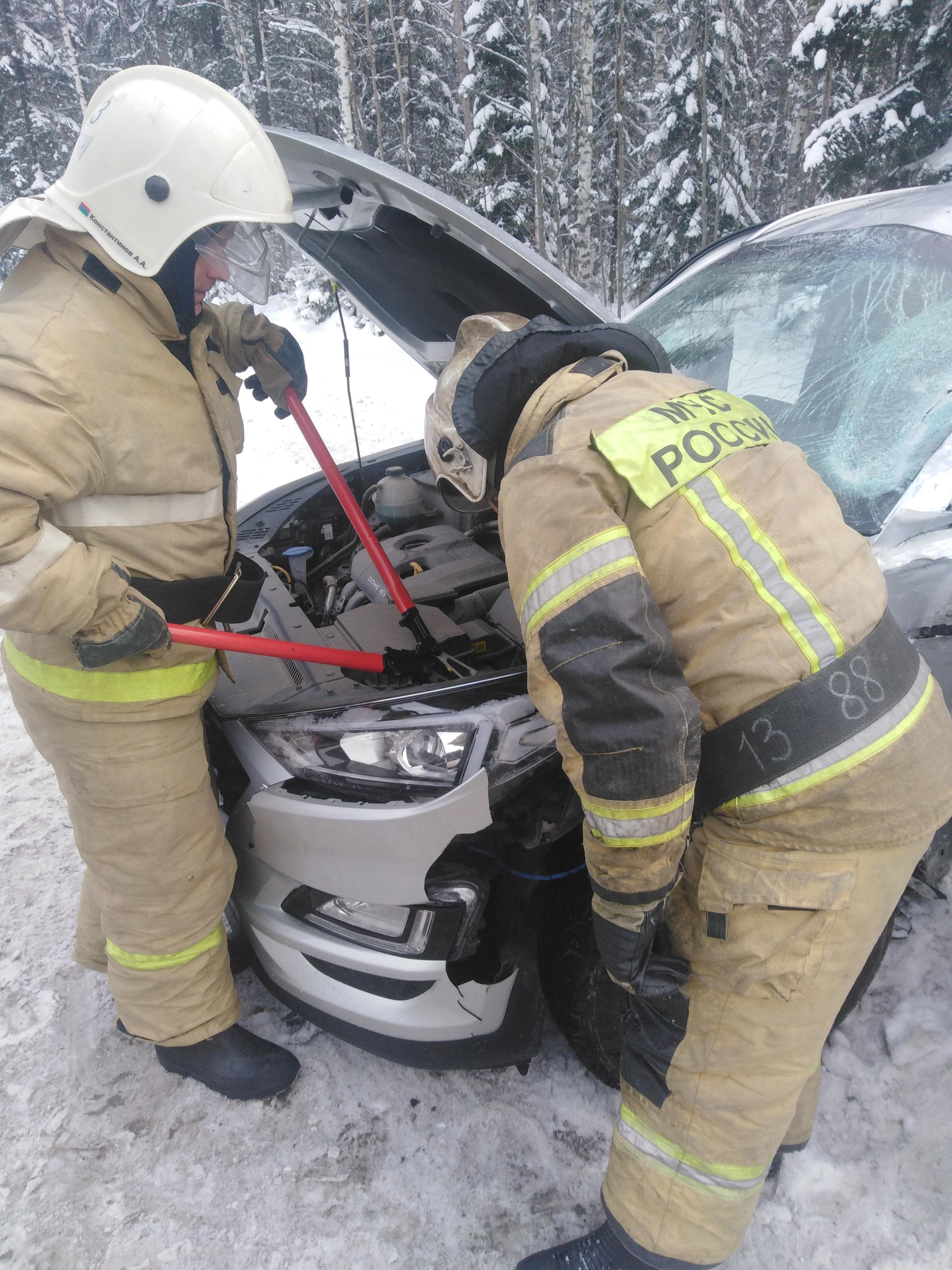 Пожарно-спасательные подразделения привлекались для ликвидации ДТП в Кондопожском районе.