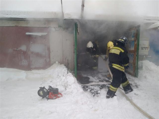 Пожарно-спасательные подразделения ликвидировали пожар в г. Кемь.