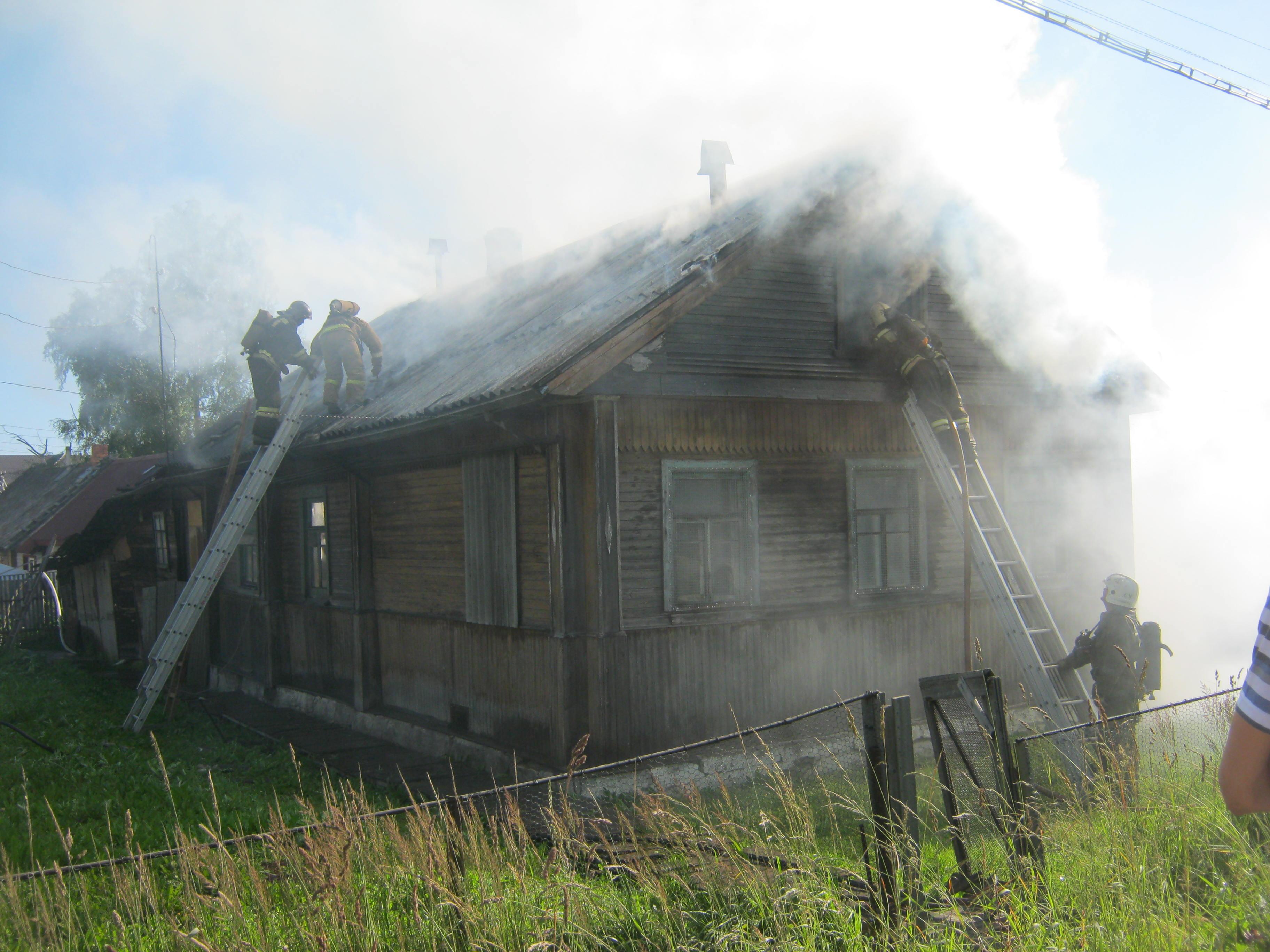 Пожарно-спасательные подразделения привлекались для ликвидации пожара в Лоухском районе.