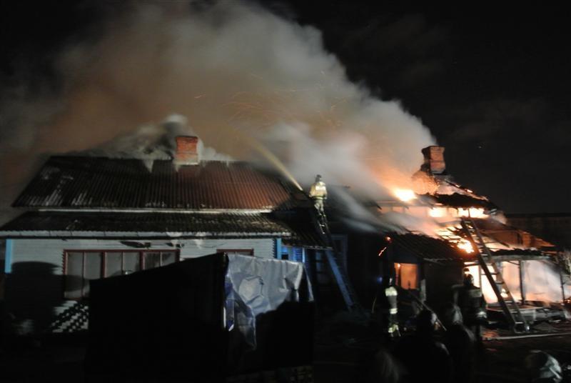 Пожарно-спасательные подразделения ликвидировали пожар в Олонецком районе.