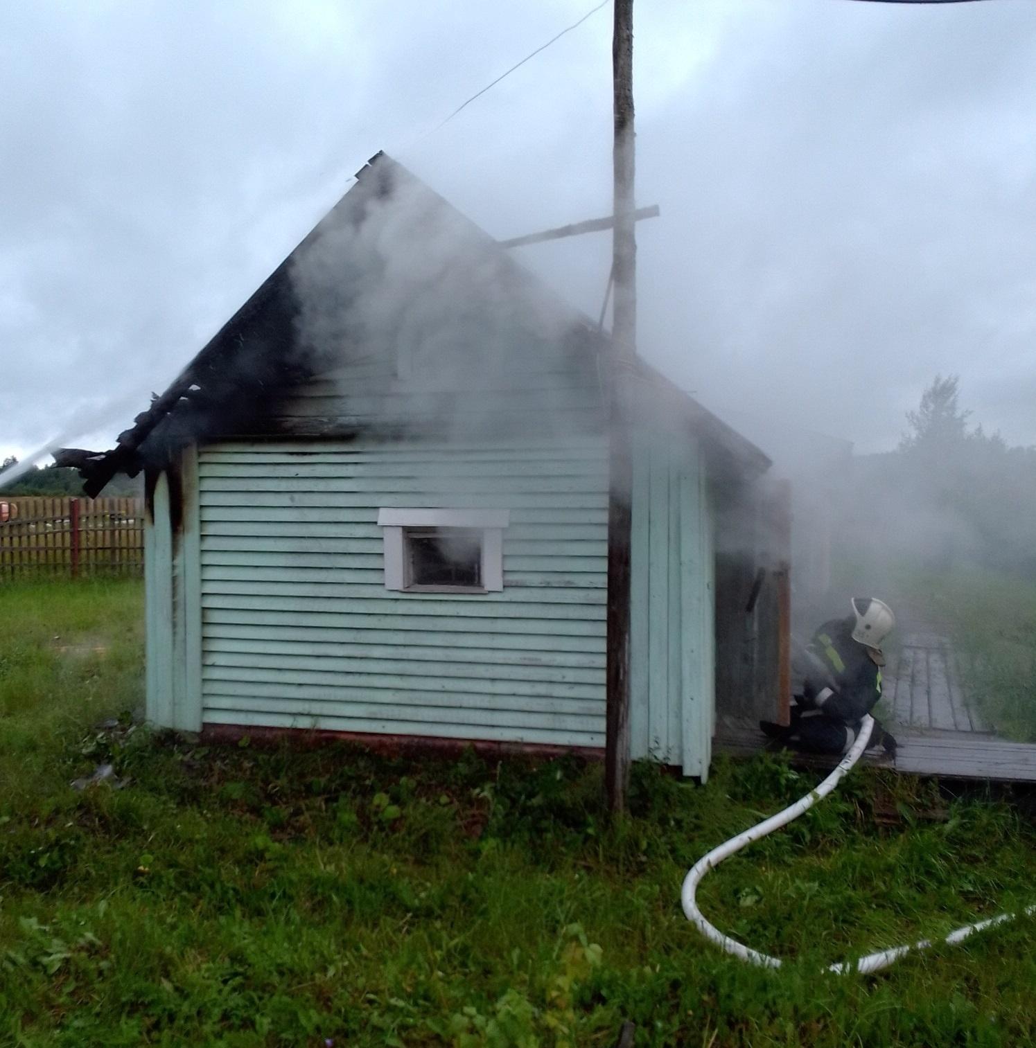 Пожарно-спасательные подразделения ликвидировали пожар в Лахденпохском районе.