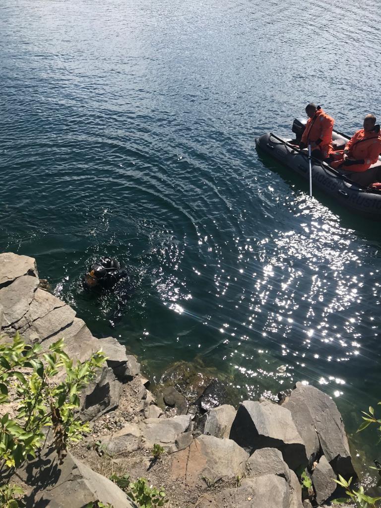 Пожарно-спасательные подразделения привлекались для поиска людей на акватории  озера в Медвежьегорском районе.