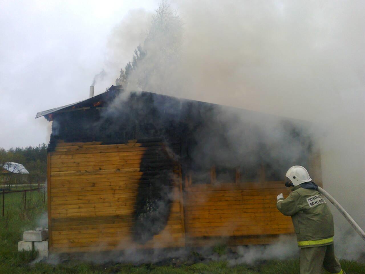 Пожарно-спасательные подразделения ликвидировали пожар в Питкярантском районе.