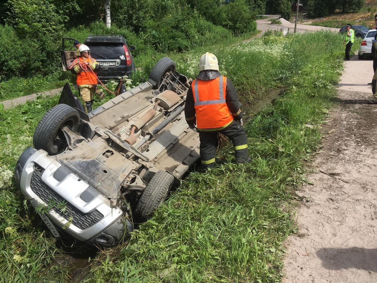 Пожарно-спасательное подразделение привлекалось для ликвидации ДТП в Сортавальском районе.