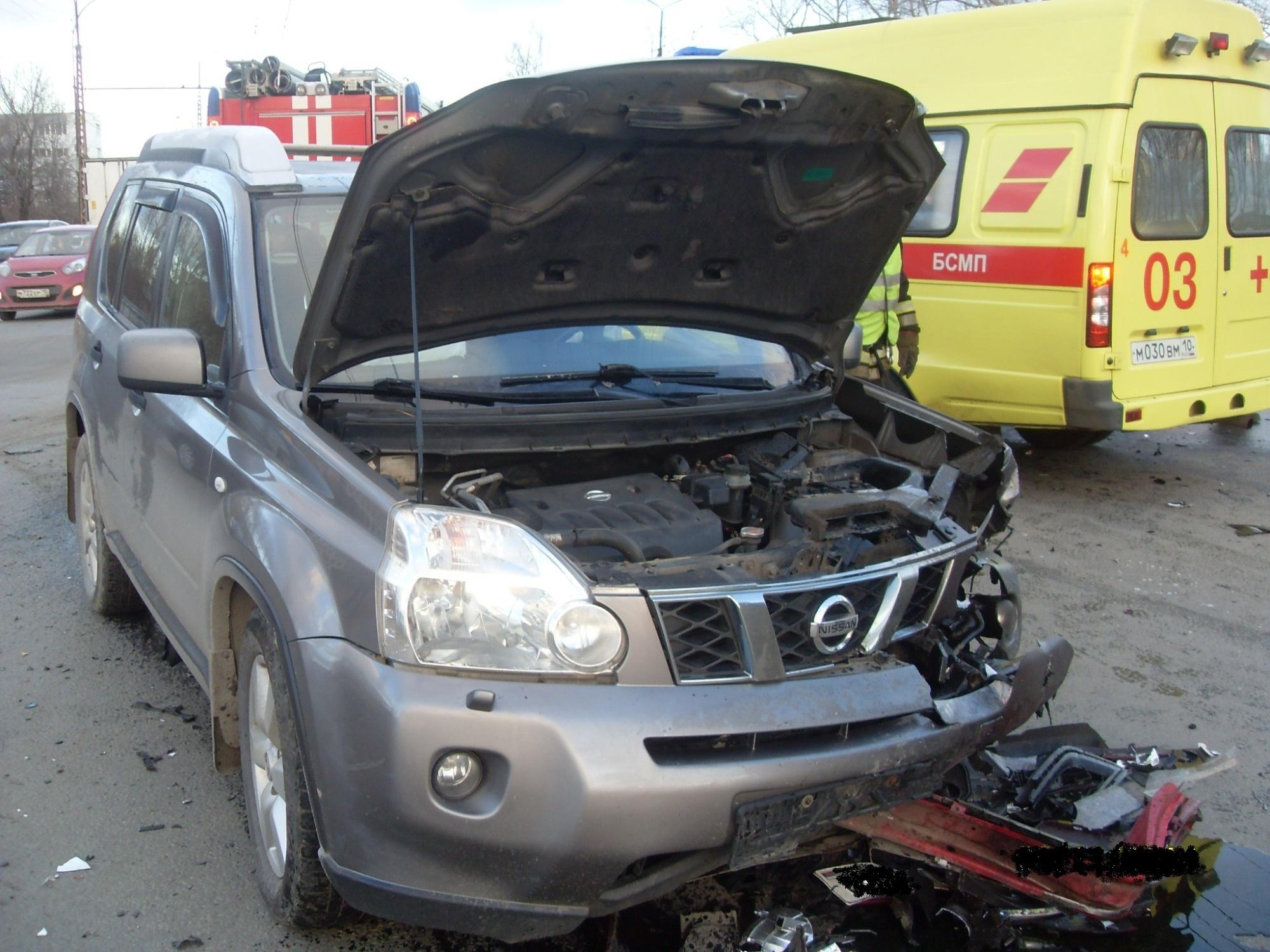 Пожарно-спасательное подразделение привлекалось для ликвидации ДТП в Лахденпохском районе.